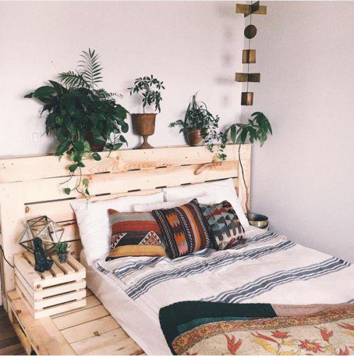 postel_z_palet