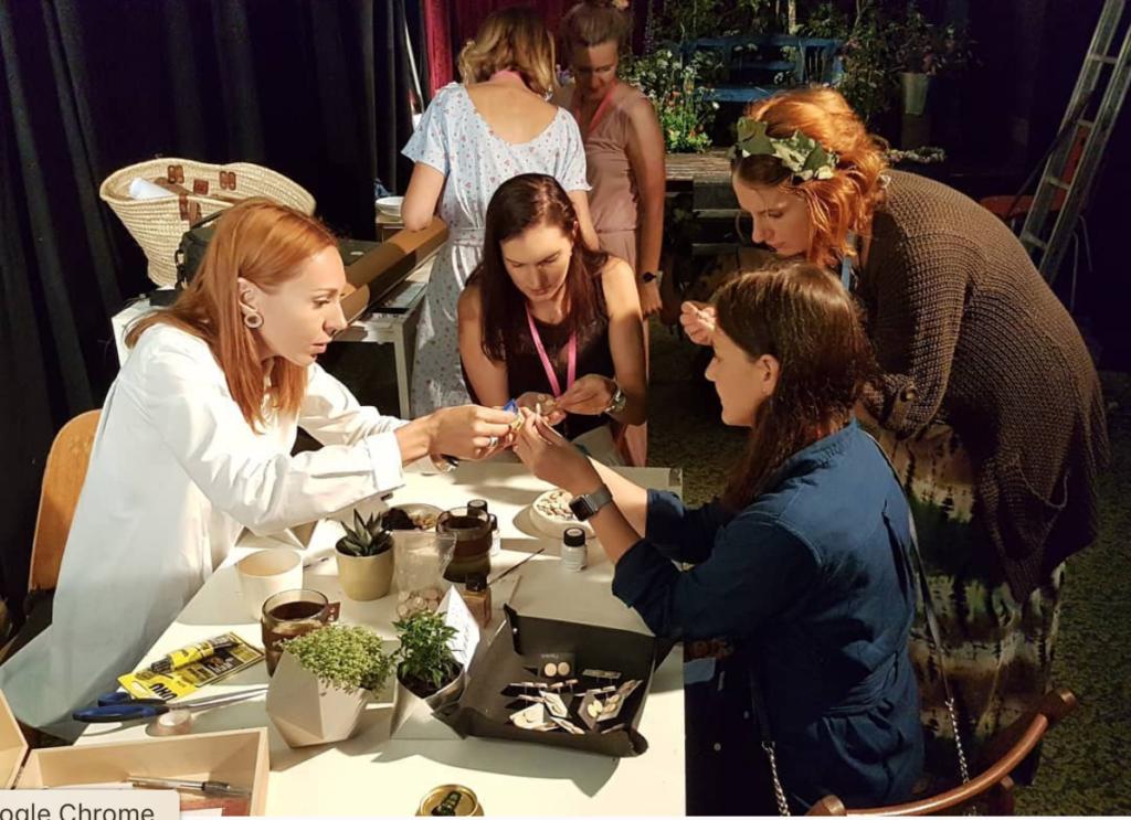 Workshop na výrobu geometrického závěsného květináče