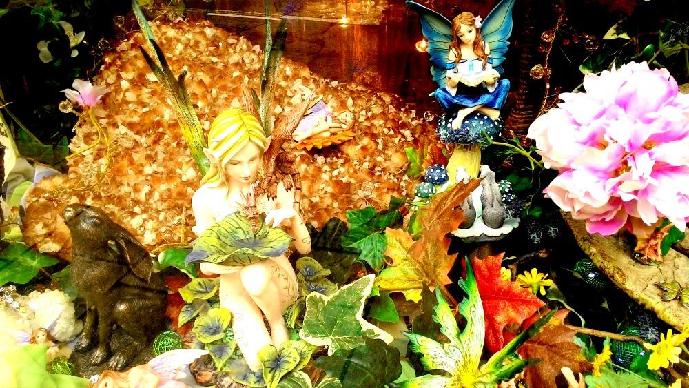 víly a skřítci v kouzelné krajině