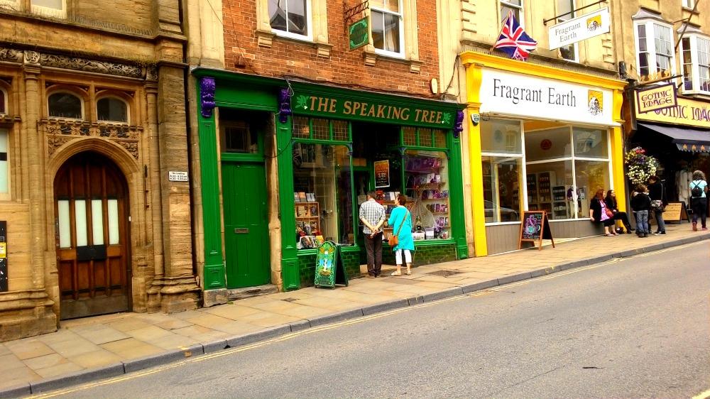 Čarodějnické obchody v Glastonbury