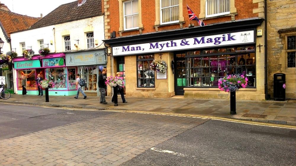 Další čarodějnické obchody