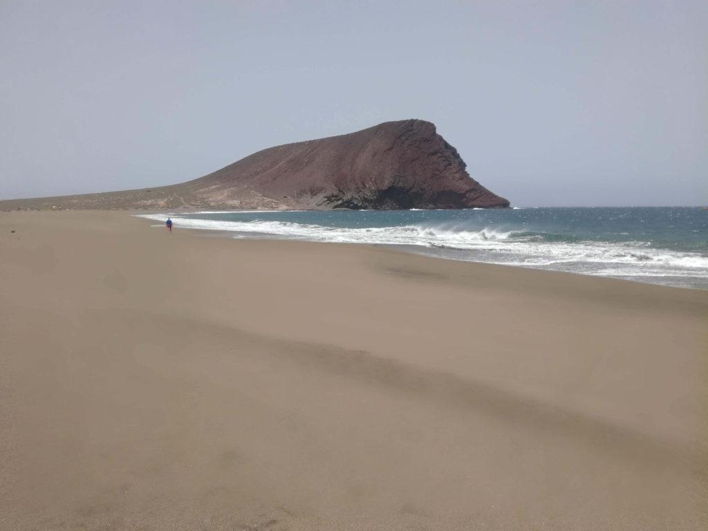 Liduprázdné pláže kolem Red mountain